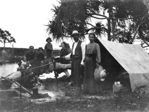 c1907 camping, photo credit: Wikimedia Commons